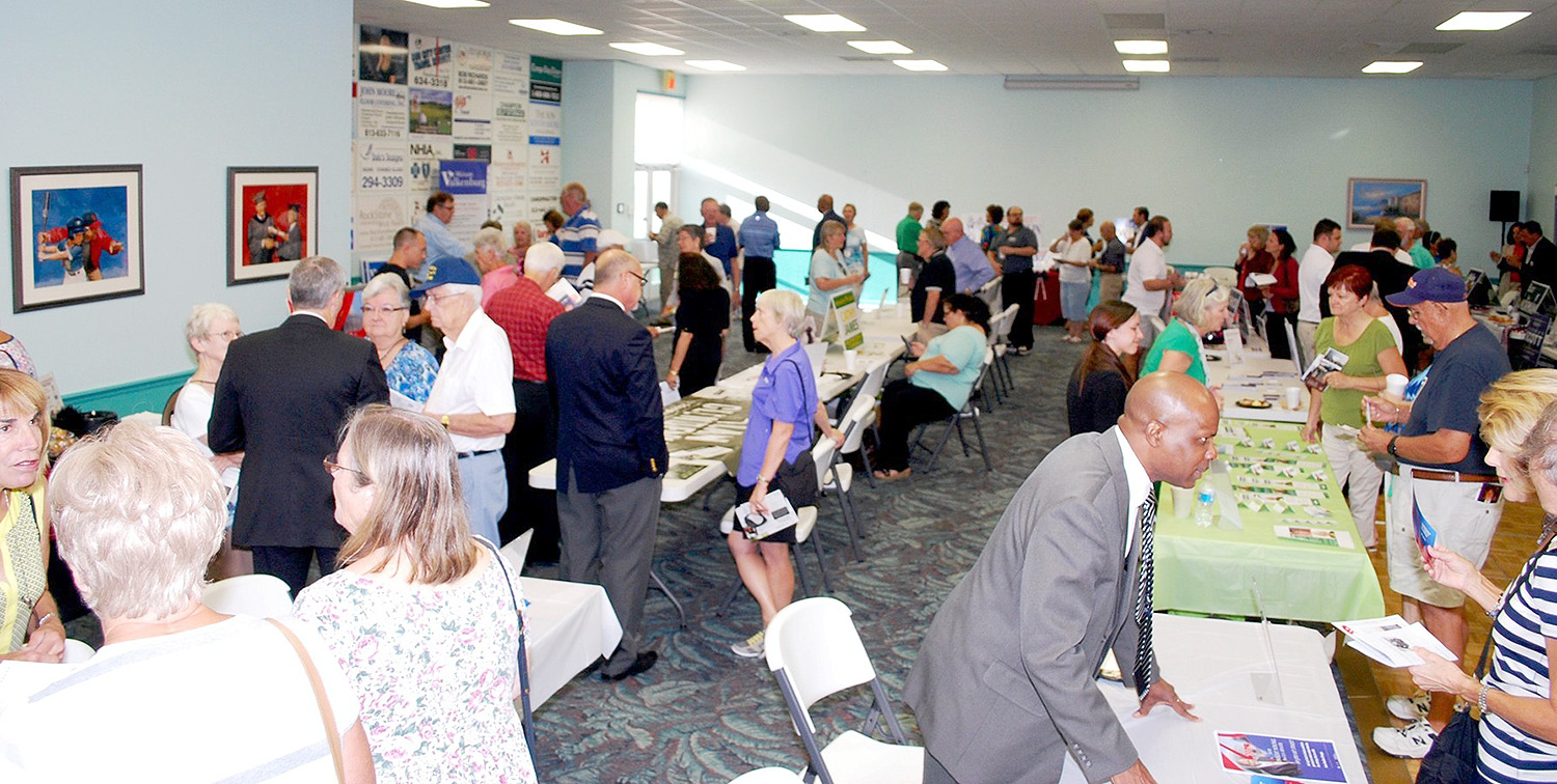 Sun City Center Eggs Issues Draws Candidates The Observer News