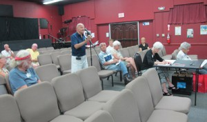 Dale Potter addresses the Sun City Center Community Association last Wednesday during the board of directors meeting. Potter and five other members said they resigned from the Consumer Affairs committee because they were not receiving the administrative support from the Association they needed to do their job.  Lia Martin photo