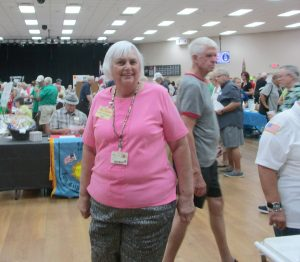 Janet Ditmore, Hi Neighbor! organizer, said about 750 people took advantage of the opportunity to talk to representatives of SCC service organizations and Community Association clubs.
